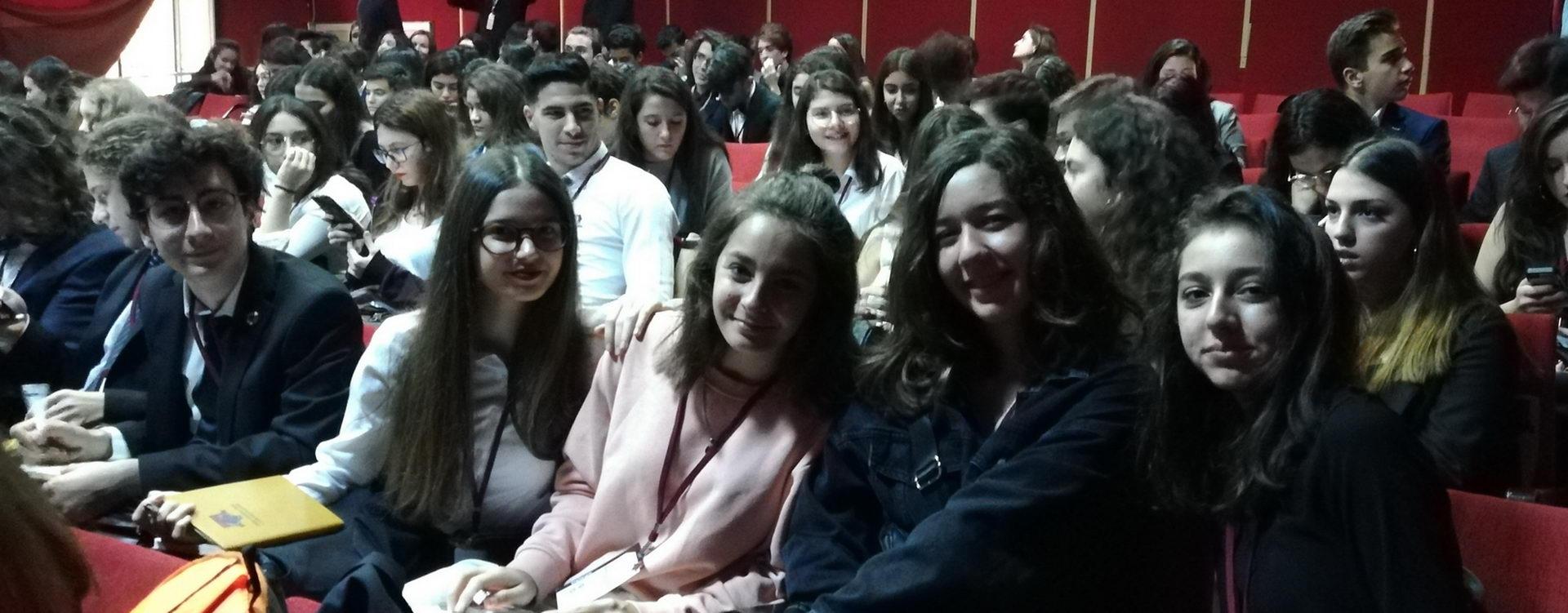 10. sınıf öğrencilerimiz İzmir Atatürk Lisesi 'nin düzenlediği Gençlik Konseyi'ne katıldı.